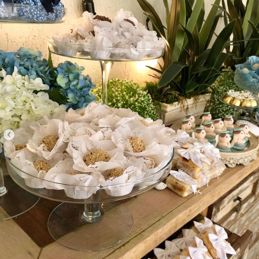 Mesa de doces, decoração batizado